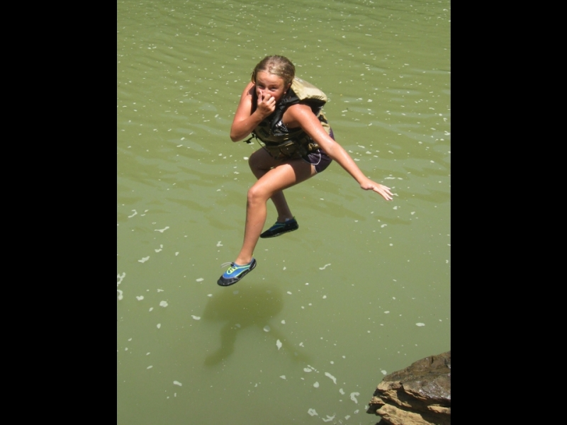 Jumping_in_the_Etowah